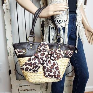 Aphorism straw handbag